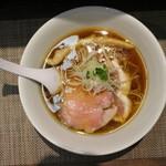神保町 黒須 - 醤油蕎麦(750円、真上から)