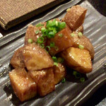 炉端dining ろい - アンチョビポテト 380円