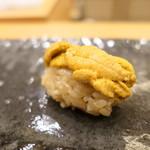 鮨 かんび - 料理写真:唐津の赤ウニ
