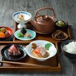 6つの味が楽しめる 天然出汁茶漬け御膳