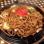 焼きそばと生パスタ ニコル - ソース焼きそば大盛(680円+200円)