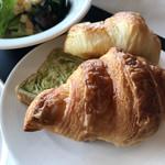 パーゴラ - 朝食ブッフェのパン