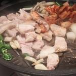 ホルモン鍋 大邱食堂 -