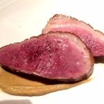 アンサンセ - 料理写真:北海道産合鴨の軽いフュメ
