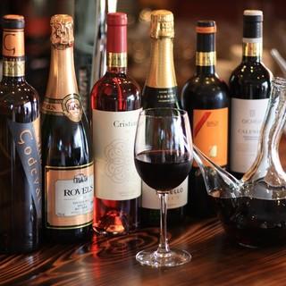 スペインの樽生ビールとスペインの地方のワインで乾杯。