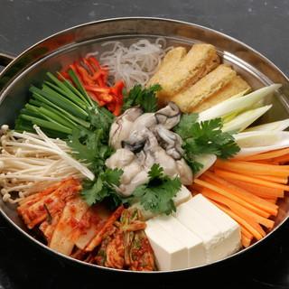 お肉だけではありません○新鮮魚介の【海鮮鍋】はこだわりの一品