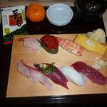 沼津魚がし鮨 - おまかせ八貫にぎり 1000円