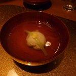 野菜割烹 あき吉 - 清まし汁 芋もち(インカの目覚め)