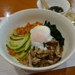 東京飯店 - 温玉ビビン麺