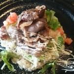 70641563 - 牛肉とガーリックライス…好き♡