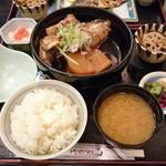 ワインと懐石 日本料理のお店 青山 - あら煮(ランチ)900円