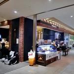 北海道牛乳カステラ - オープンな店舗