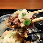 ハンバーグ&ステーキ 黒毛和牛 腰塚 - [料理] おろし大根掛け ハンバーグ ひと口大 アップ♪w