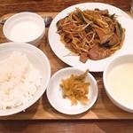 ドラゴンレッドリバー - レバニラ炒め定食 @1,000円