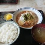 大黒食堂 - 料理写真:カツ煮定食、600円、