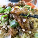 肉汁麺ススム - あまじょっぱい肉がめちゃ旨い