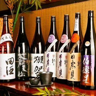 利き酒師の店主が厳選した、こだわりの地酒と日本酒