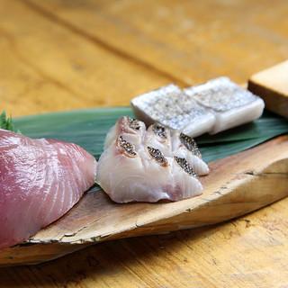 独自のルートで仕入れた朝捕れ鮮魚と手仕事にこだわり抜いた料理