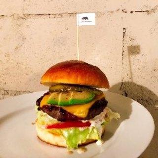 ランチ限定販売!タップリ150gパティの特製ビーフバーガー!