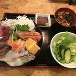 日比野市場鮮魚浜焼きセンター - 海鮮丼 大盛