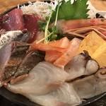Hibinoshijousengyohamayakisenta - 海鮮丼 アップ