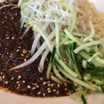春水堂 - 肉味噌は一般の中華料理店より薄くサラリとした印象