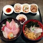 70675312 - まぐろ地魚丼&湘南釜揚げしらす蕎麦セット(みさきまぐろきっぷメニュー)