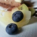 アニバーサリー - キウイ、りんごor梨のシロップ漬けとブルーベリー