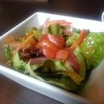 アニバーサリー - ランチのサラダ(尖った酸味のないバルサミコドレッシング)