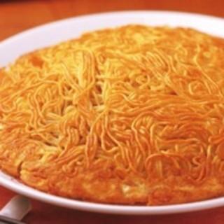 横浜中華街の名物料理「梅蘭焼きそば」