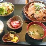 7068955 - 生姜焼き定食