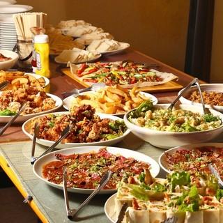 貸切パーティプラン:ビュッフェスタイル品数豊富な料理