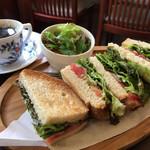 ジュリアン - 「季節の野菜サンド」とコーヒー✨