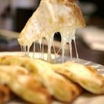 カナピナ - とろーりチーズたぷうりのナン