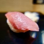 鮨屋じろう - 料理写真:[2017/07]寿司① まぐろの握り