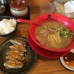 天下一品 - 餃子定食970円(税込)