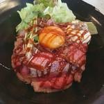 JUHACHI-BAN - ローストビーフ丼