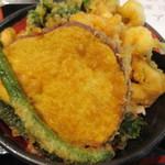 天ぷら かき揚げ 新次郎 - 芋天も入ってます