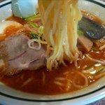 ラーメン小太郎 - 中辛みそラーメンの麺