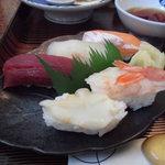 70692300 - お寿司