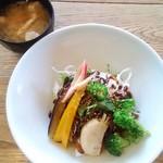 70694555 - 豚味噌漬けと彩り野菜のどんぶり