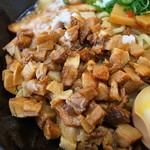 湾岸ラーメン食堂 - ちょいショッパ目の刻み豚