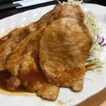 蓮田サービスエリア(下り線)レストラン - 生姜焼定食の生姜焼き