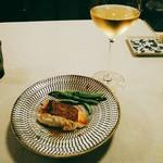 アレグロ コン ブリオ - 真鯛のポワレは皮はパリッと。アンチョビと浅蜊のソース。すだちの余韻。野菜はみな町田の地場産だったのかな、お魚料理には隠元豆。