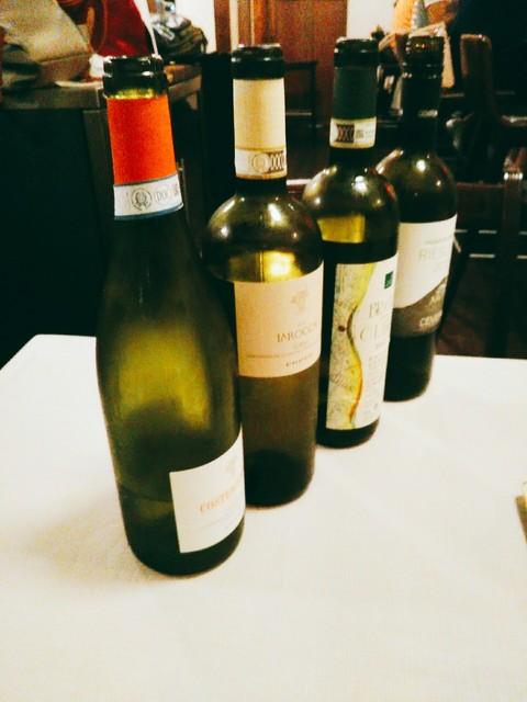 アレグロ コン ブリオ - お料理ごとにワインを合わせてもらいました。4,5本ずつの中から選ばせてくれます。