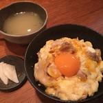 70700304 - ダブル玉子の親子丼,濃厚地鶏のスープ