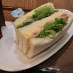 カフェ・ラ・コルテ - たまごハムサンド300円