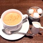 ビストロ ア ラ ドゥマンド - 食後のコーヒー 別オーダーで。