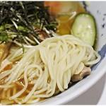 70702935 - 軽い風味の麺。冷たく〆られてコシは十分!