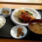 上川総合振興局 食堂 - 日替わり定食550円。